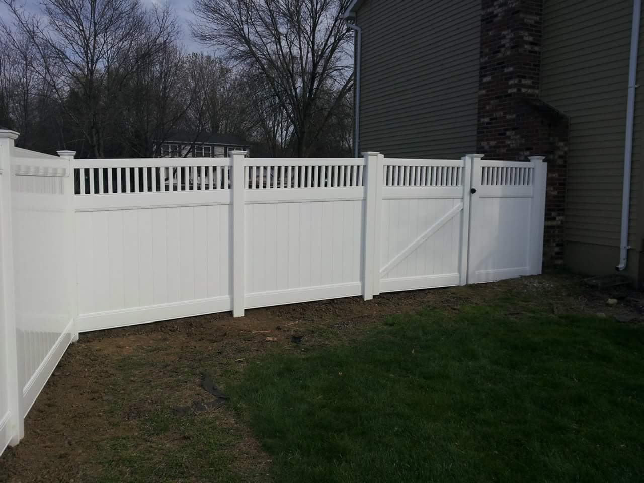 Smc fence central new jersey fence and pool enclosures custom residential closed spindlet top service gate new england caps privacy manalapan residential closed spindle topfronts new england caps 5ft wide service g ate baanklon Gallery